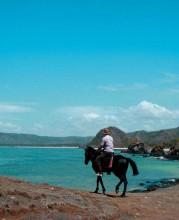 Horse-Riding-Lombok-Garuda-Mag-Apr14-4