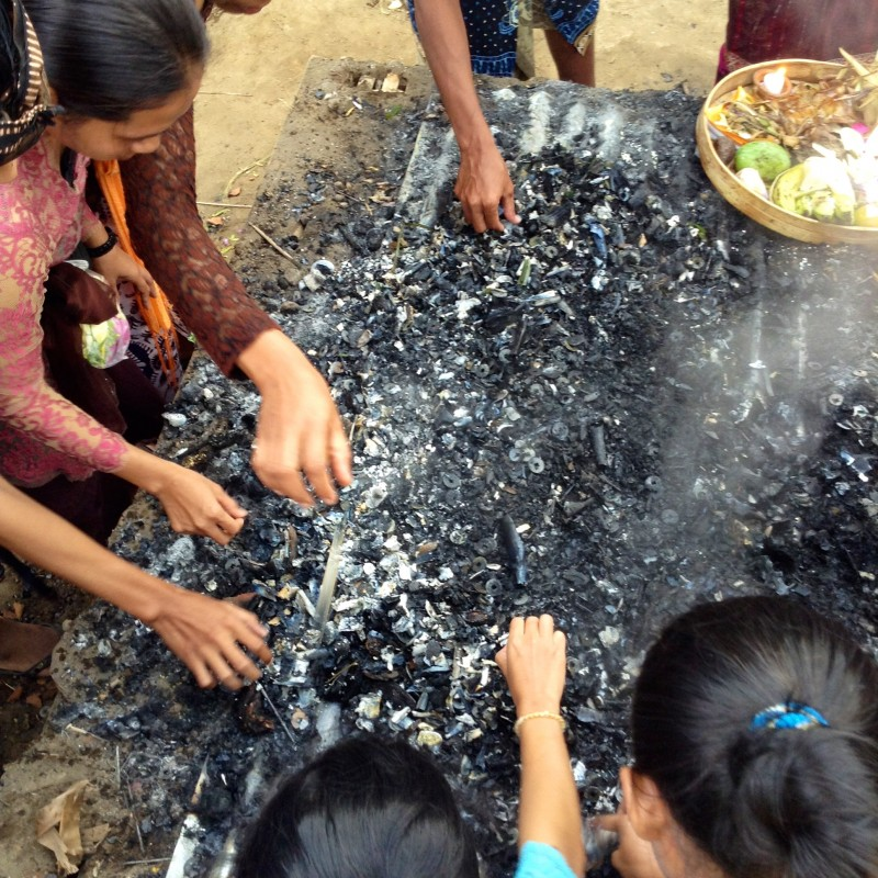 Mass Cremation – The Balinese Way
